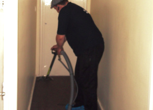 End of tenancy cleaning Moss Side M16