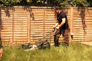 Gardening services in East London IG